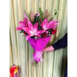 Bonito ramo de lilis